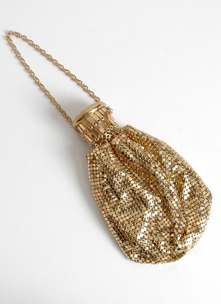 1920s Whiting & Davis gold mesh purse