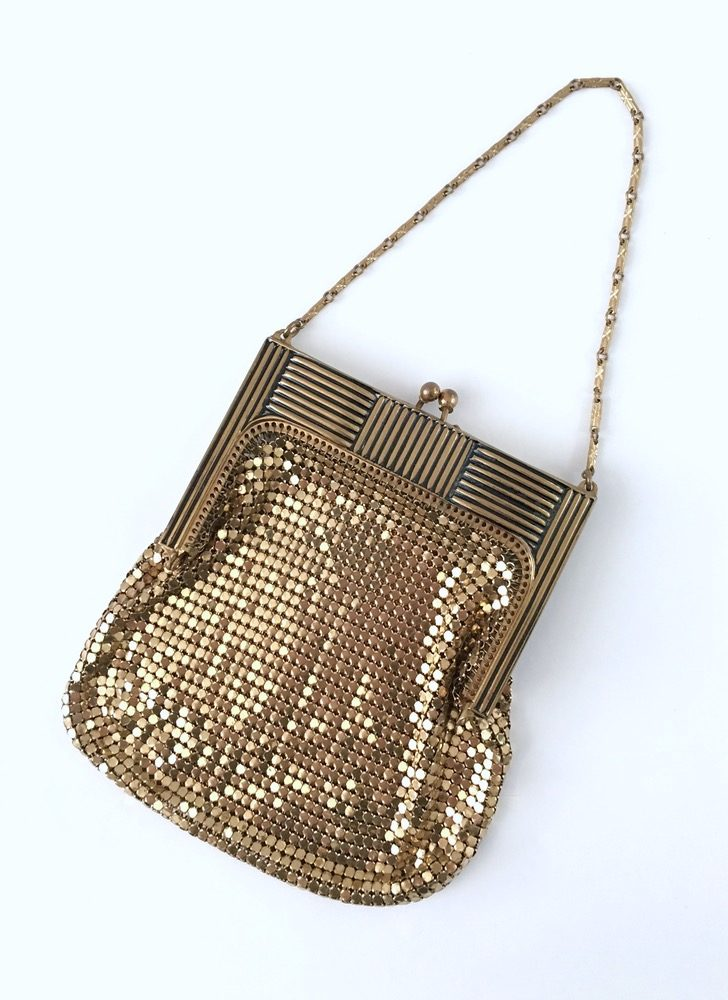 1930s Whiting & Davis gold mesh purse