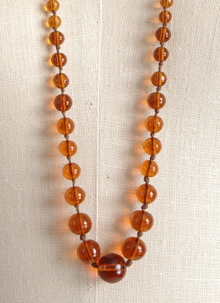 1920s 30s amber bead hand-knotted necklace