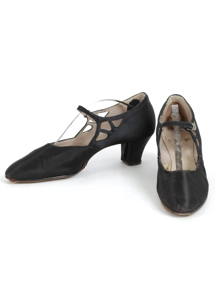 1920s black silk satin heels @size 8