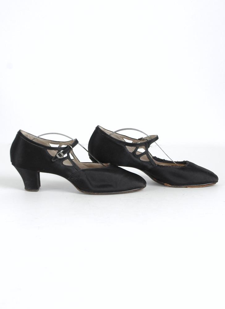 1920s black silk satin heels @size 8