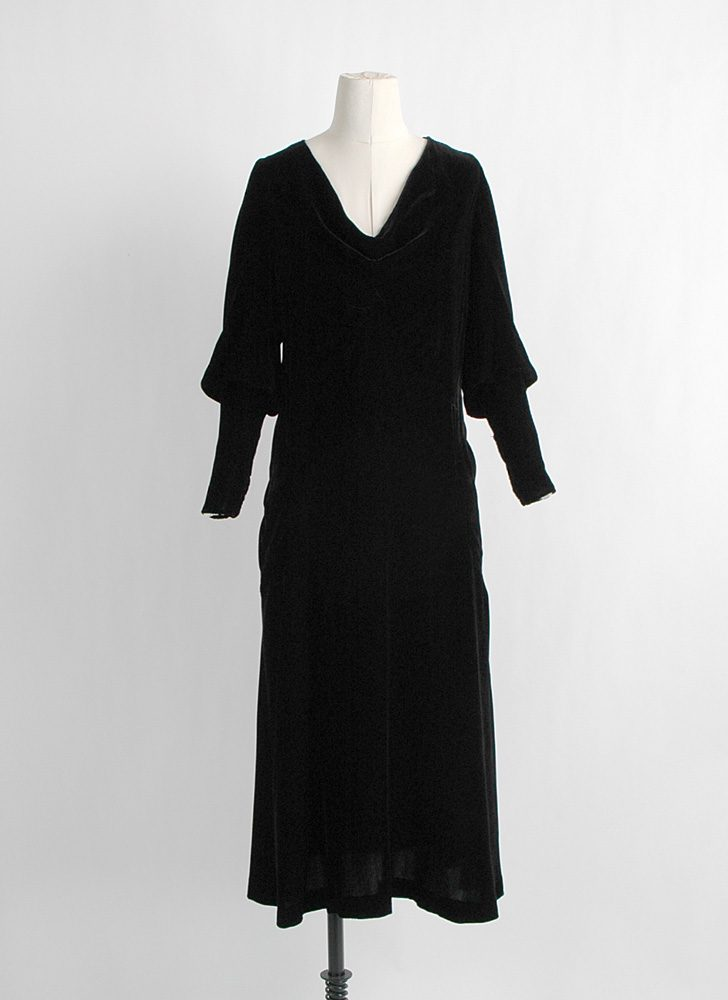 1920s 1930s bias-cut black silk velvet dress