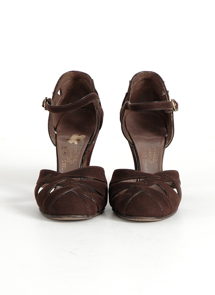 1930s Saks Fifth Ave Fenton Footwear brown suede heels