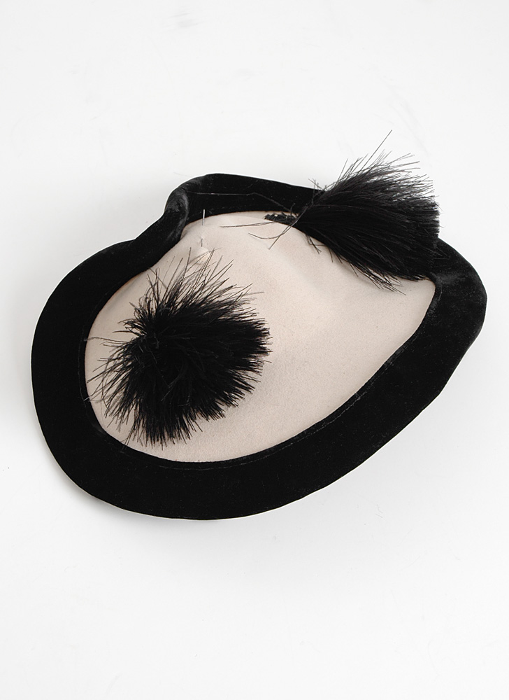 1940s Gladys Belle White Black Feather Hat Hemlock