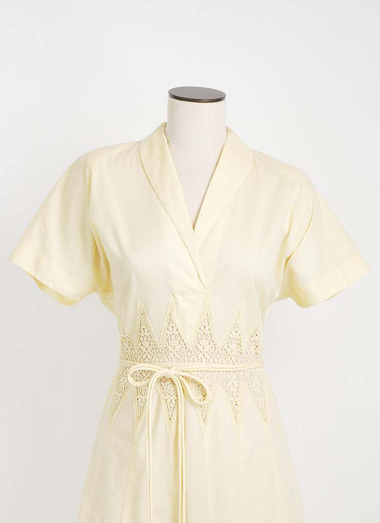 1940s yellow cotton dress with crochet inserts