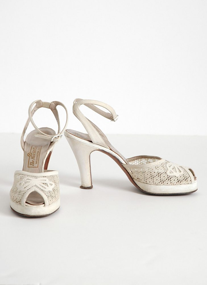 1940s white Urbanites platform heels with bows