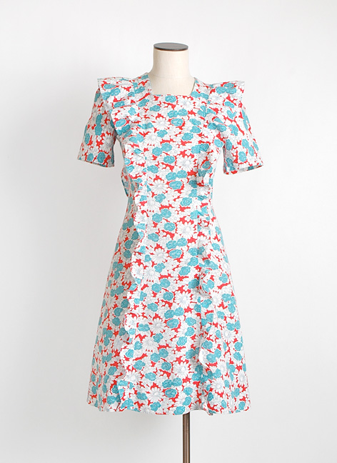 1940s floral cotton dress with ruffle trim