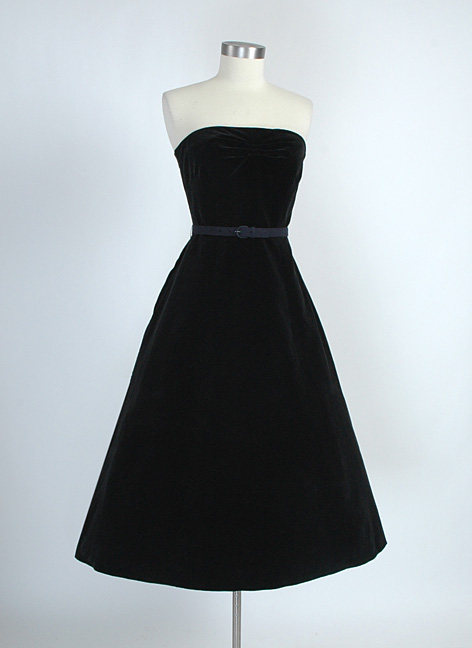 1940s black velvet strapless dress