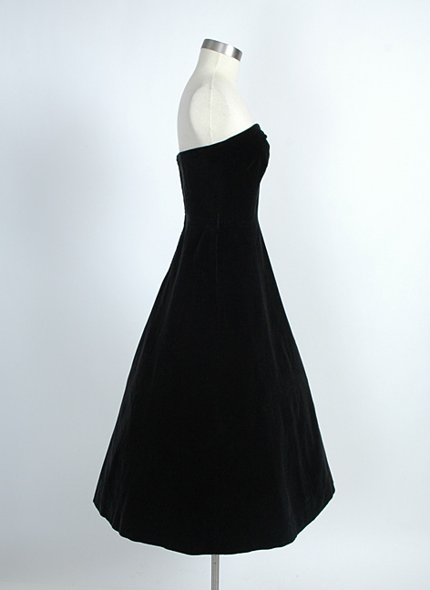 1940s black velvet strapless dress