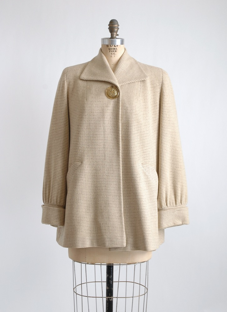 1940s wool swing coat with celluloid button