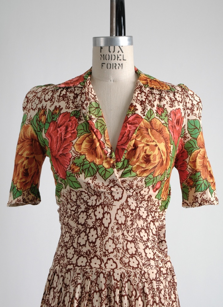 COMING SOON! 1940s floral nylon dress (as-is)