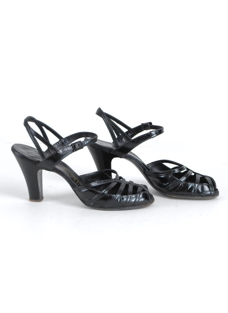 1940s black patent leather heels