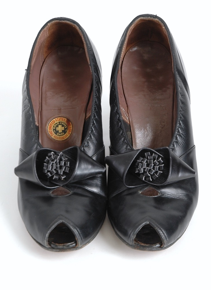 1940s Gold Cross black leather heels