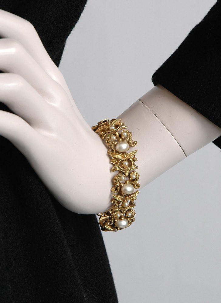 1950s gold + pearl bracelet