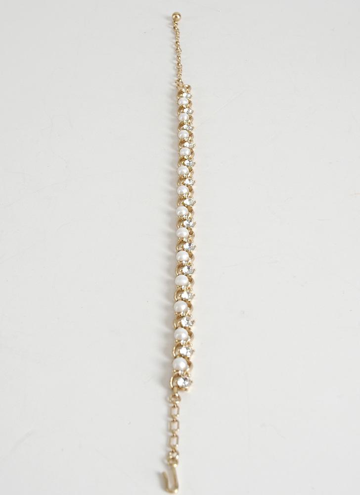 1950s Trifari pearl + rhinestone necklace