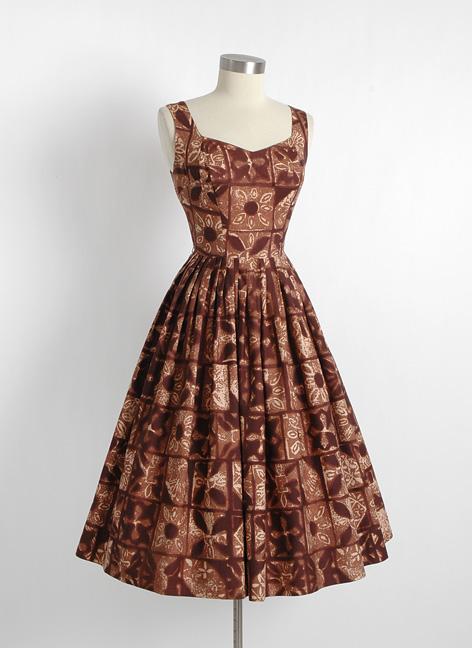 1950s brown Hawaiian tiki dress