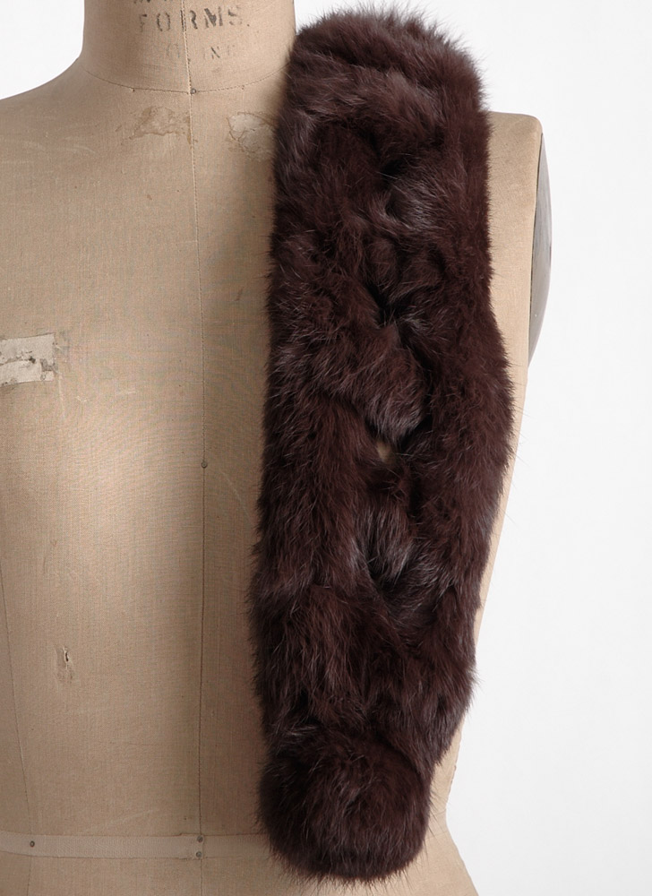 cute 1950s 60s notched rabbit collar scarf