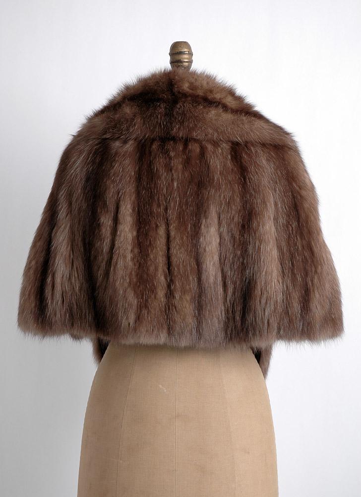 1950s 60s Razook's Plaza Hotel brown fox fur shrug