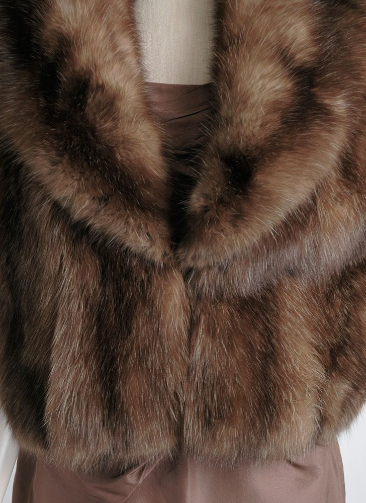 1950s 60s Razook's Plaza Hotel brown fox fur shrug