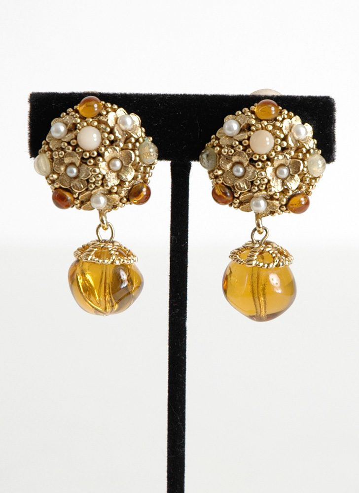 vintage Oscar de la Renta clip earrings