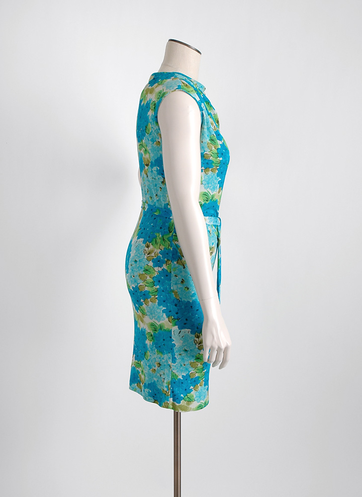 1960s Bonwit Teller blue floral Italian silk jersey dress