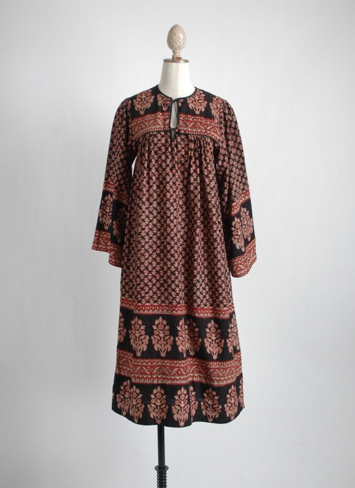 1970s al-Harbi bib India cotton dress
