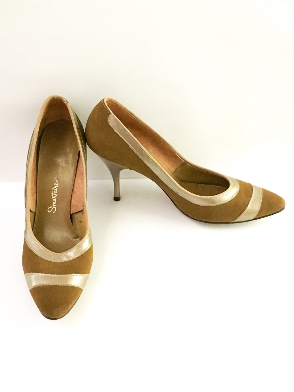 1950s Smartaire suede heels and matching purse