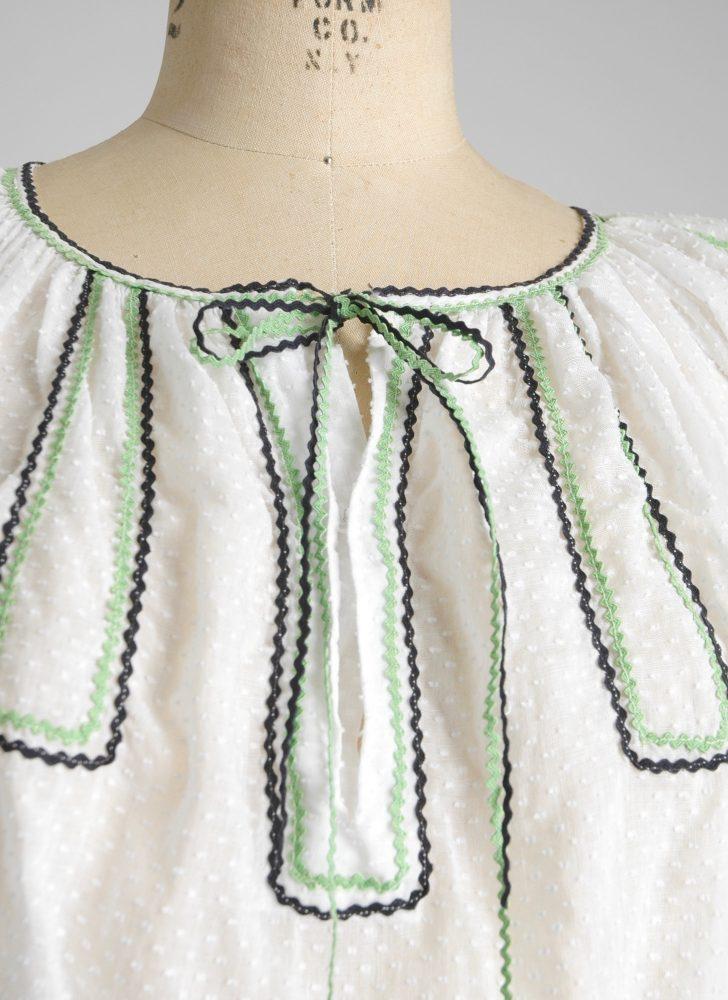 Adorable 1930s cotton Swiss dot blouse