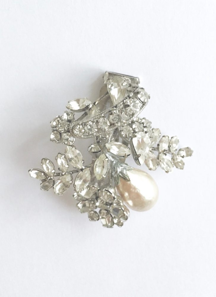 Beautiful vintage Schreiner rhinestone barrette