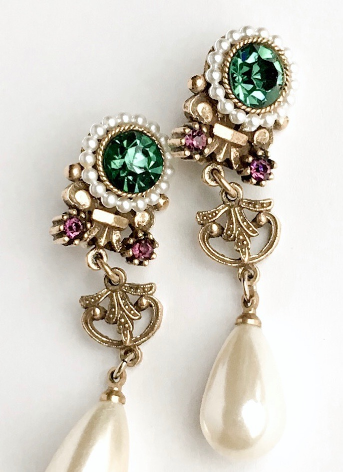 1950s 60s Corocraft emerald rhinestone drop earrings