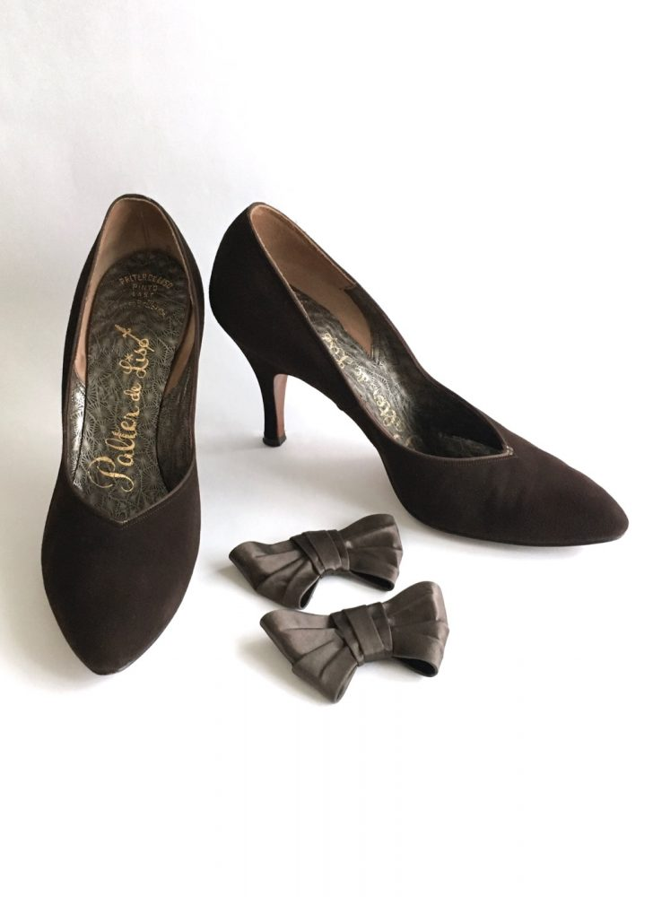 1950s Palter de Liso brown suede heels with optional bows