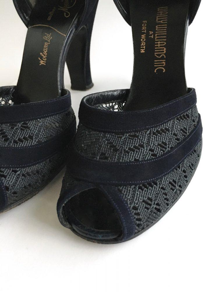 NICE 1940s Morris Wolock dark blue suede heels