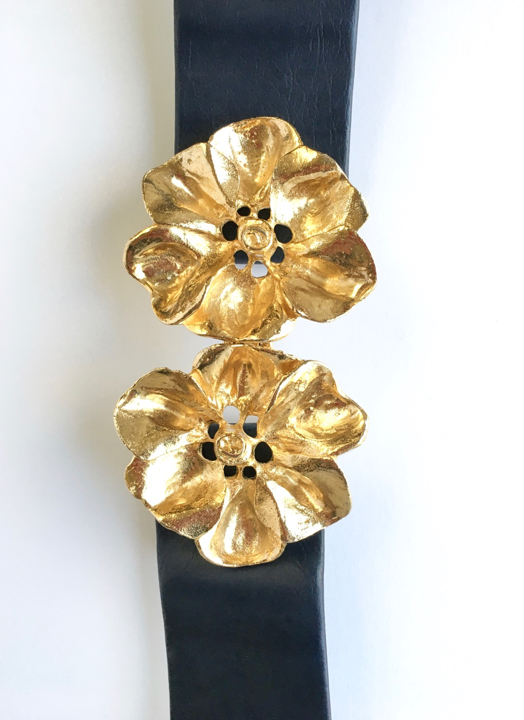 1980s Mimi Di Niscemi flower buckle belt