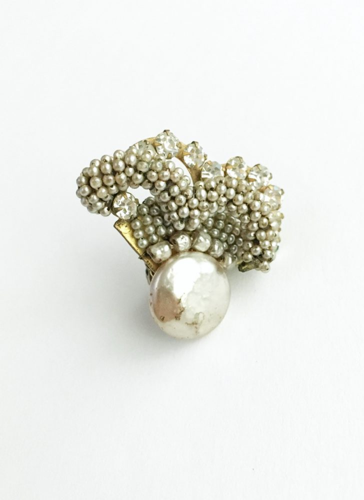 One lonely Miriam Haskell baroque pearl earring