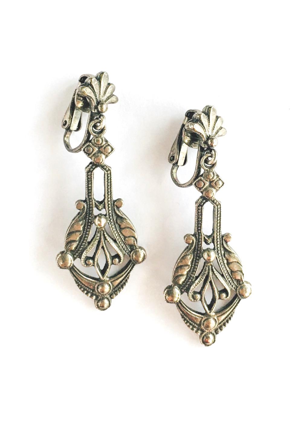 vintage antiqued silver Florenza drop earrings