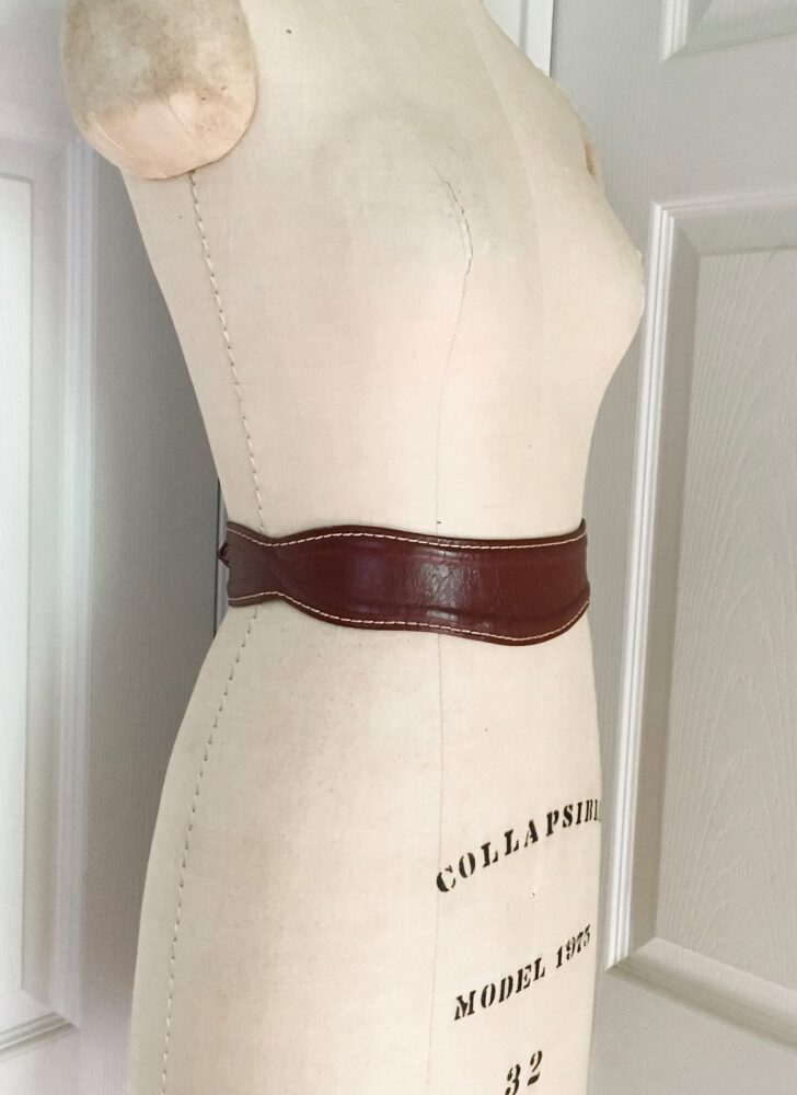1952 Garay brown scalloped leather calfskin belt white stitching