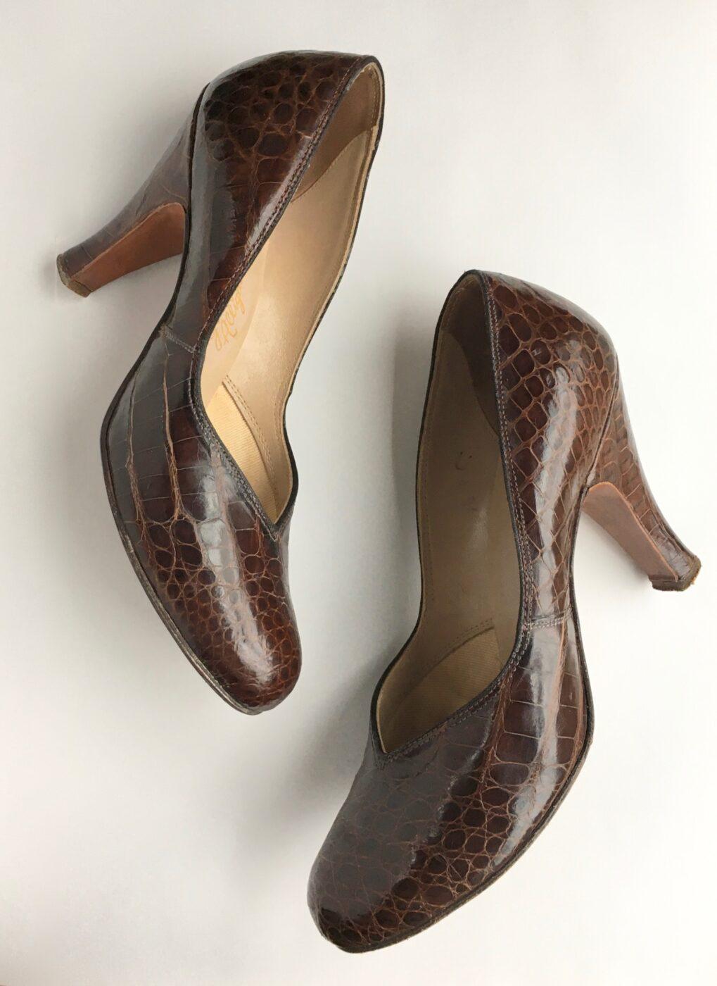 1940s-brown-alligator-pumps-heels-shoes