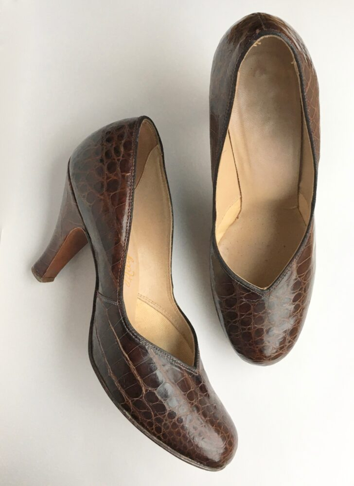 1940s brown alligator pumps heels shoes