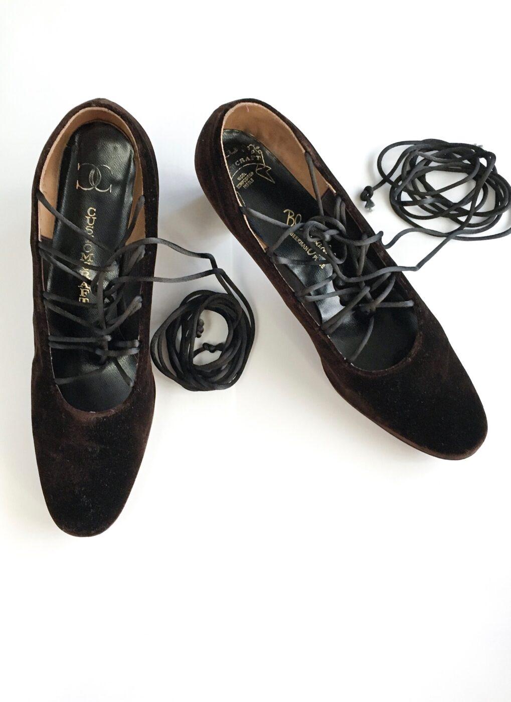 1960s-Bloomingdales-Customcraft-brown-velvet-lace-up-heels-shoes
