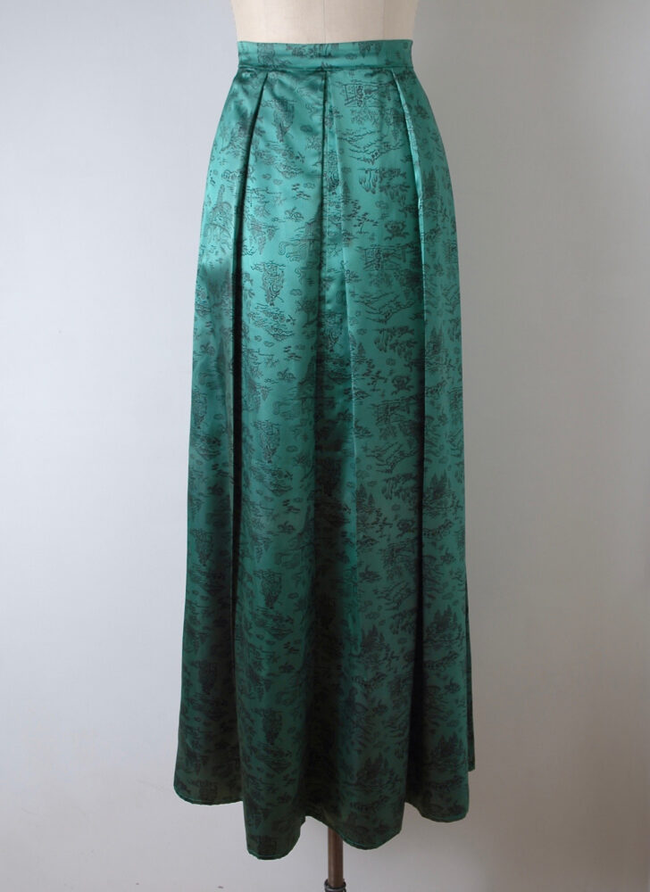 1940s green + black satin Asian print hostess skirt