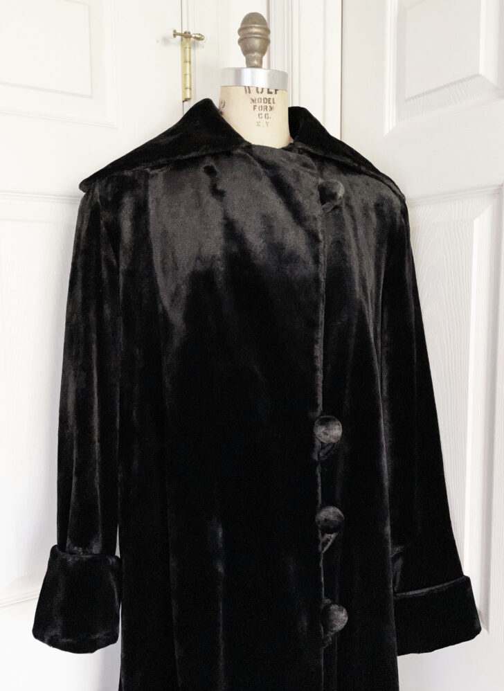 teens 1910s heavy black silk velvet coat