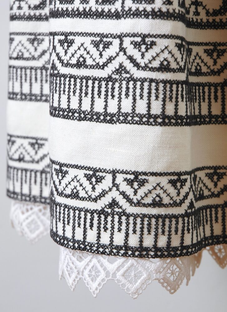 vintage Oscar de la Renta off-white + black embroidered peasant skirt
