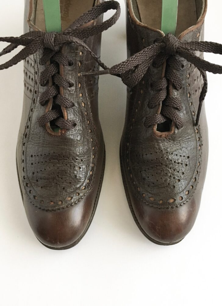 1930s brown leather lace-up oxford heels shoes Aristocraft