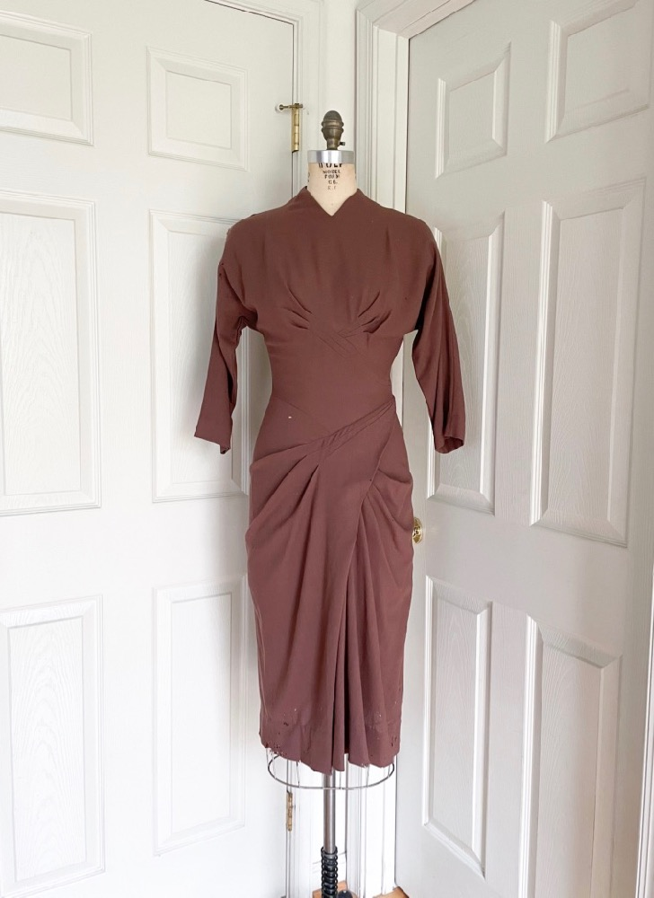 1940s Dorothy O'Hara brown wool crepe dress (pattern/study)