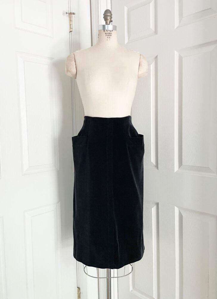 1940s 50s black velvet pencil skirt with flared hip pockets